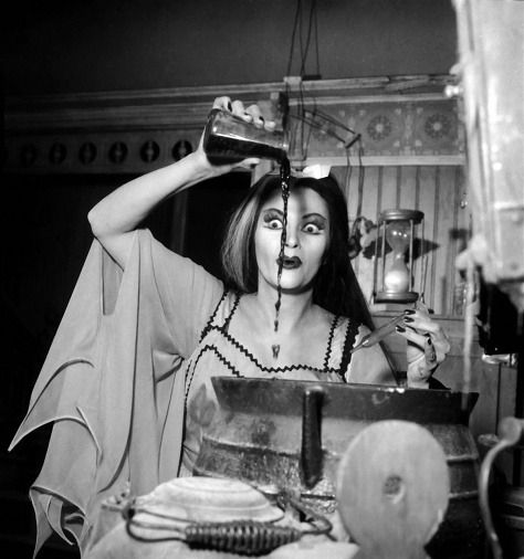 concoting.lily.munster